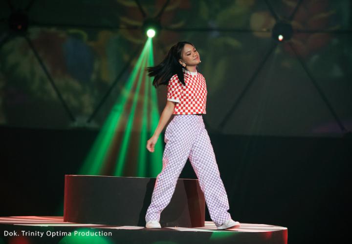 Konser Virtual Bahasa Cinta Neona, Penyanyi Cilik Yang Menggemaskan